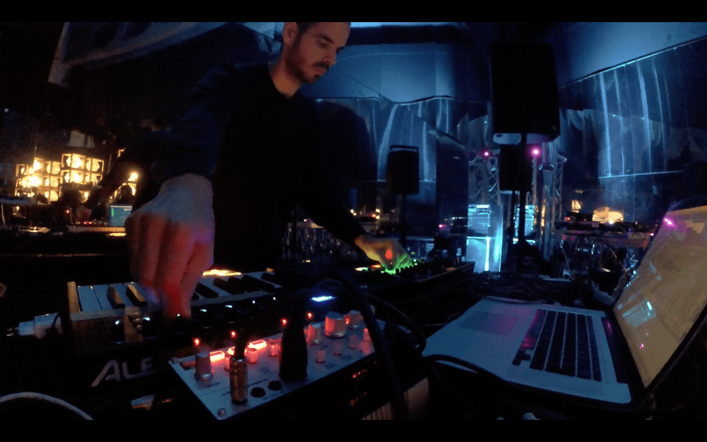 Giulio Maresca electronic live set Utopies